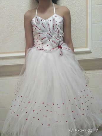 Продам выпускное платья нарядное
