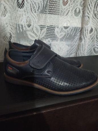 Туфли на мальчика 35 р.