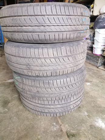 Продам летние шины Pirelli 195 65 15
