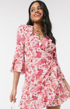 Платье с розовым цветочным принтом