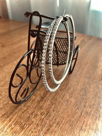 Продам серьги-кольца с камнями