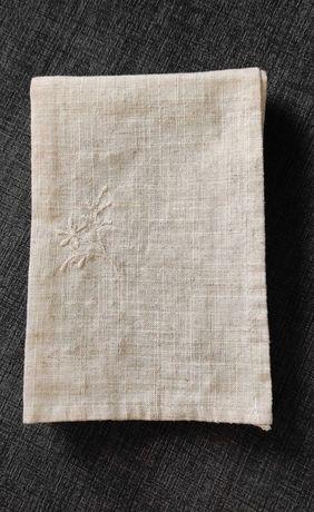 Guardanapos em tecido com bordado