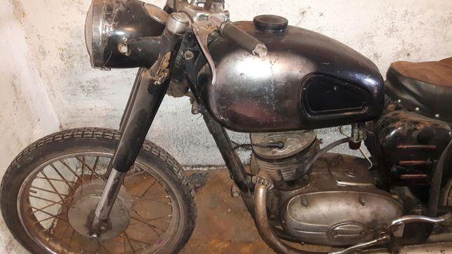 Продам мотоцикл Panonia