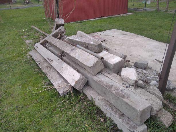 Słupki betonowe gruz