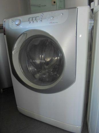 Maquina lavar - ARISTON 7.5kg / Muito bom estado