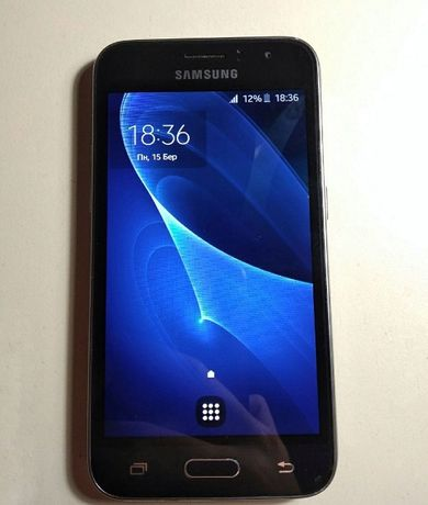 Смартфон Samsung J1 2016