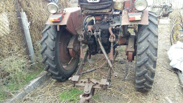 Трактор ДТ 25 с прицепом