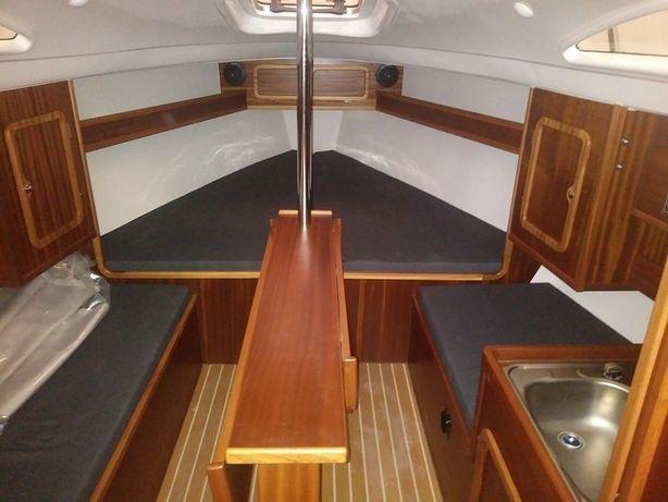 Nowy jacht żaglowy SASANKA 660