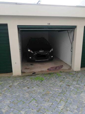 Alugo garagem - Centro de Vila do Conde