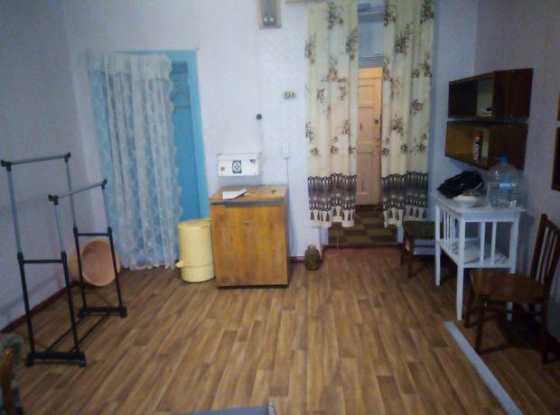 Сдам комнату в коммунальной квартире в центре 2 этаж сталинка