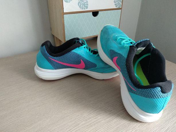 Buty Nike r.36,5