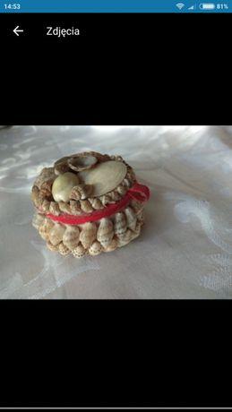 Pudełko na biżuterię z muszli