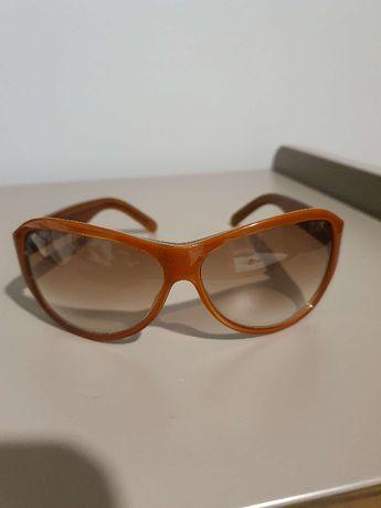 Kultowe okulary przeciwsłoneczne damskie Calvin Klein