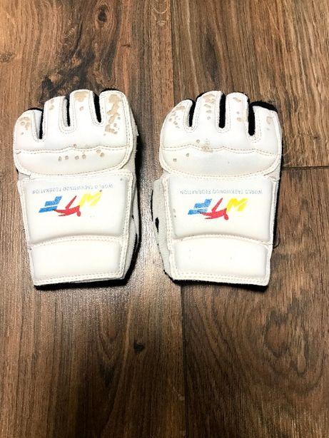 Перчатки для карате/бокса