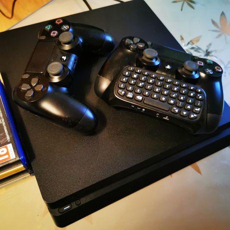 Ps4 konsola 1 TB + 2 pady + klawiatura + gry