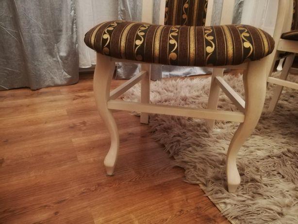 Krzesła używane w bardzo dobrym stanie