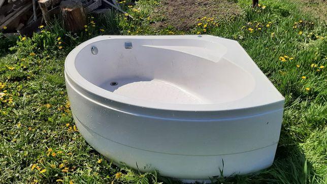 Ванна  б/в в гарному стані б/в, р. 150х140х60см.
