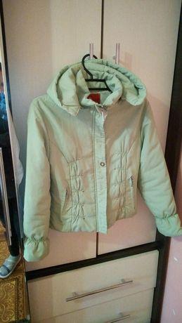 Курточка на девочку 9-10лет
