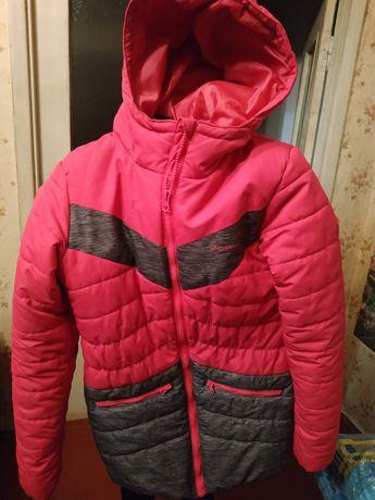 Продам куртку на дівчинку
