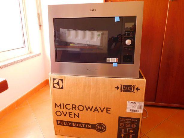 Vendo Micro ondas AEG - NOVO