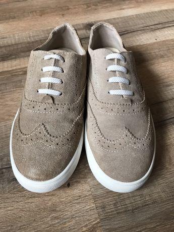 Замшевые спортивные туфли Bata р.33