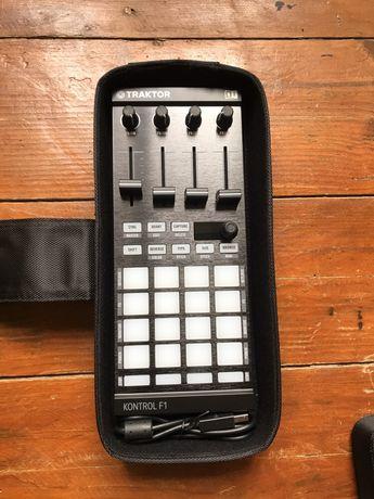 Controlador MIDI Traktor F1 com bolsa oficial