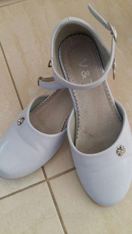 Białe buciki komunijne r.35