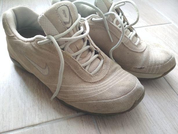 Ténis Nike em bom estado