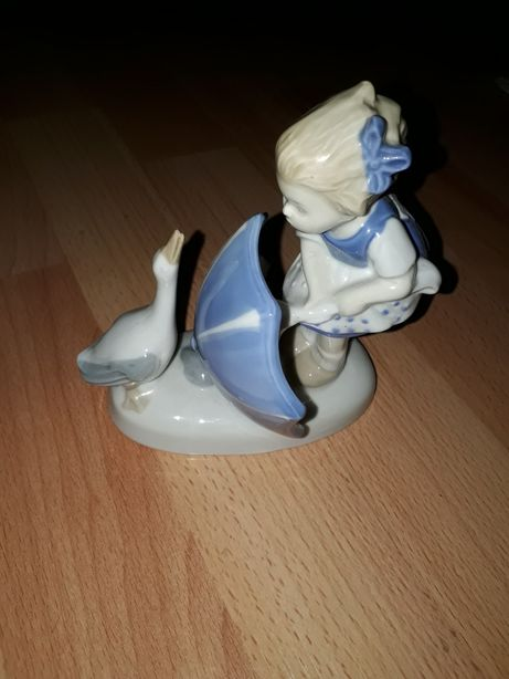 Figurka porcelanowa GDR
