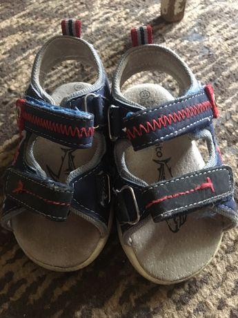 Детские босоножки , сандали