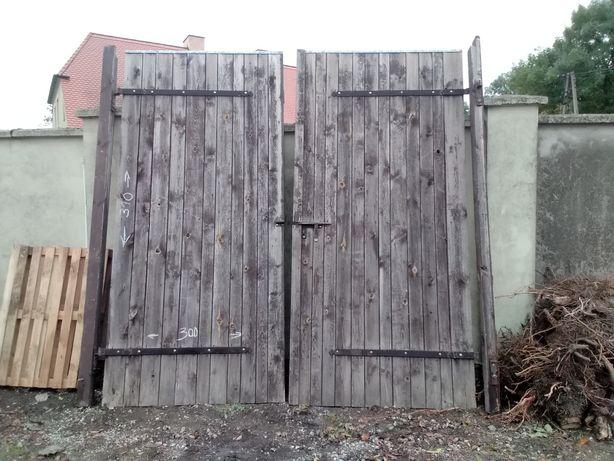 Brama wrota drzwi