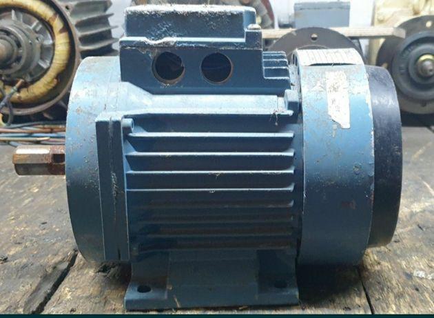 Silnik elektryczny dwubiegowy 0,37/1,1kw 950/1410obr