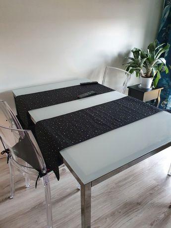 Stol plus 4 krzesła