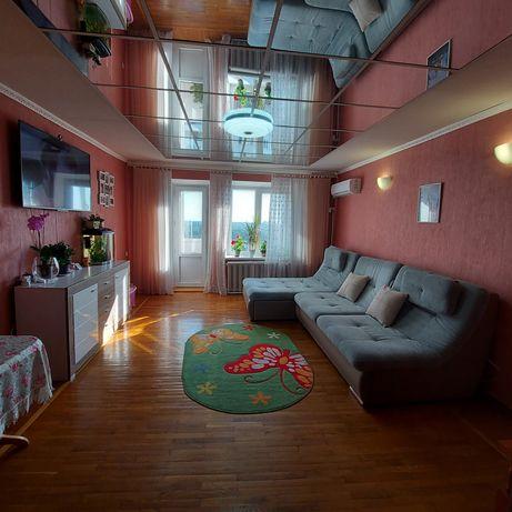 Продам квартиру 4-х кімнатну.
