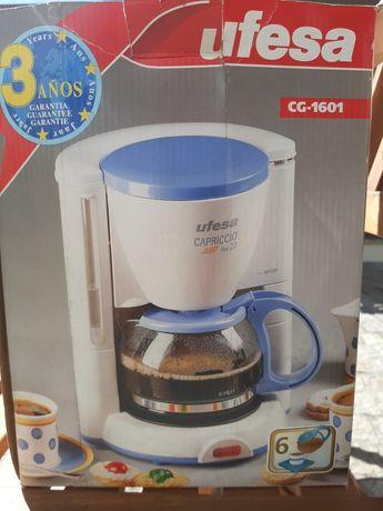 Cafeteira eléctrica UFESA (NOVA)