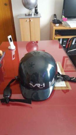 Capacete VR-1 Helmet (preço indicado não negociável)
