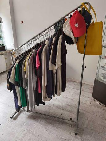 wieszak sklepowy na ubrania stojący