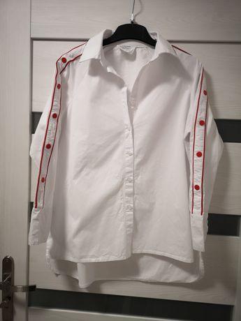 Koszula biała, dekoracyjne rękawy na czerwone zatrzaski, rozm M/L