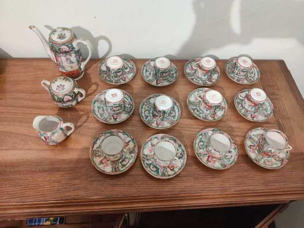 Conjunto de 12 chávenas+pires chinesas