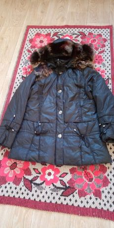 теплая курточка- пуховик,разм. 48-50.б\у.