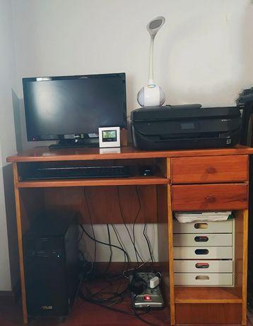 Móvel secretária para monitor/PC