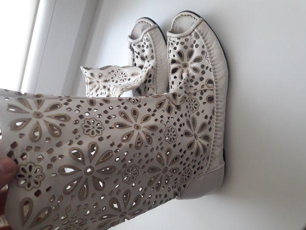 Женская обувь кожанная
