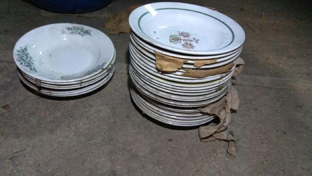 Посуд тарілки нові