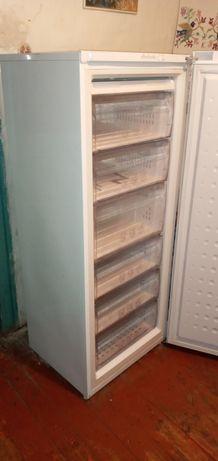 Холодильник  , бойлер,  душевая кабинка ,все вопросы по телефону
