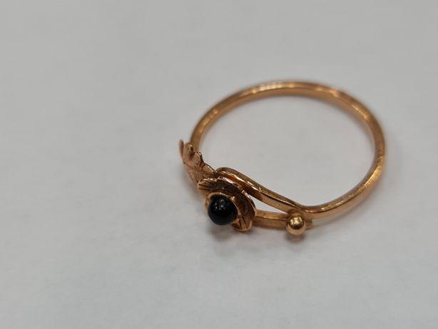 Wiekowy / Klasyczny złoty pierścionek damski/ 585/ 1.68 gram/ R16