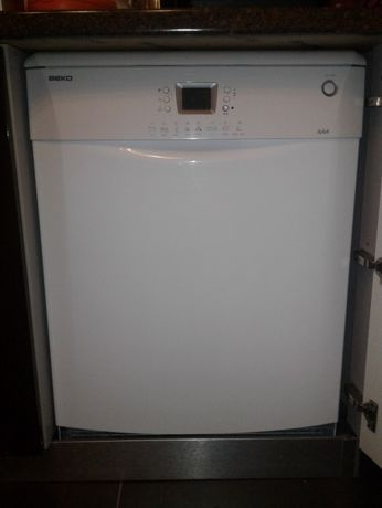 Посудомоечная машина BEKO DFN 6835 на запчасти