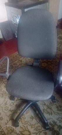Офисное кресло для работы