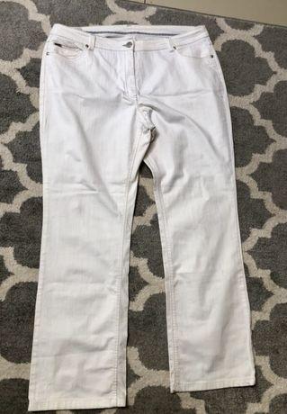 Białe jeansy Canada 48