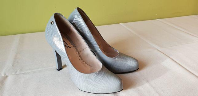 Sprzedam buty Venezia r. 38