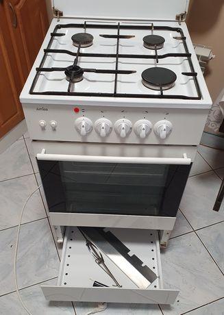 Kuchnia gazowa z rożnem